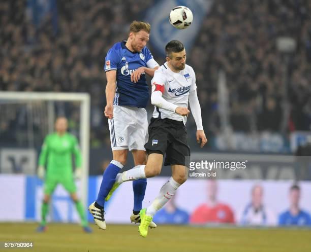 Fussball GER 1 Bundesliga Saison 2016 2017 20 Spieltag Benedikt Hoewedes Benedikt Höwedes li gegen Vedad Ibisevic