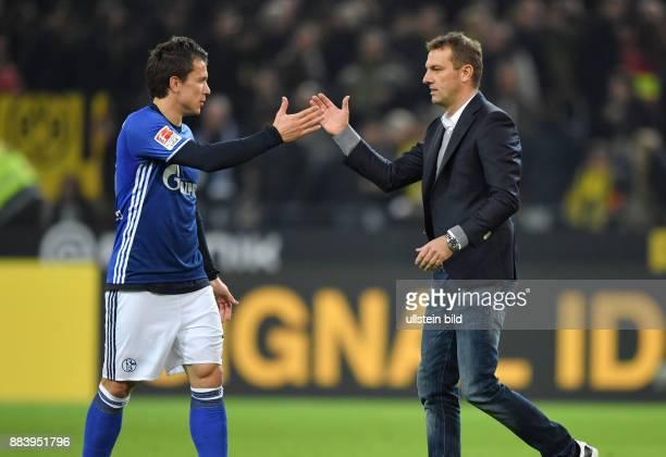 Fussball GER 1 Bundesliga Saison 2016 2017 9 Spieltag Trainer Markus Weinzierl re und Yevhen Konoplyanka