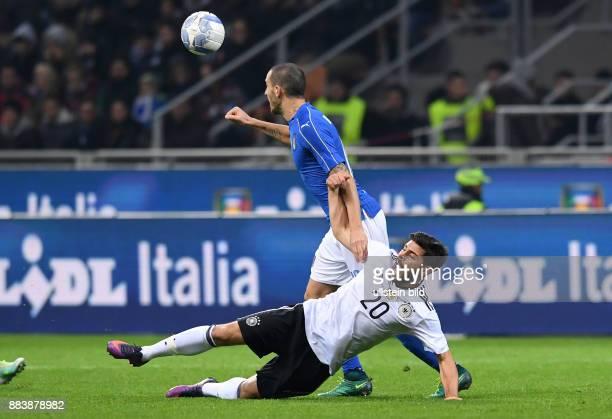 Fussball International Testspiel in Mailand Italien Deutschland Kevin Volland vor Leonardo Bonucci