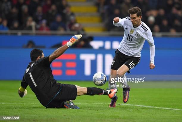 Fussball International Testspiel in Mailand Italien Deutschland Leon Goretzka gegen Torwart Gianluigi Buffon