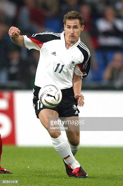 Fussball Laenderspiel 2004 Basel Schweiz Deutschland 02 Miroslav KLOSE / GER 020604