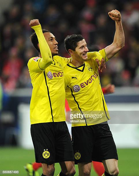 Fussball Saison 20132014 1 Bundesliga 14 Spieltag FSV Mainz 05 Borussia Dortmund 13 Jubel PierreEmerick Aubameyang li und Robert Lewandowski
