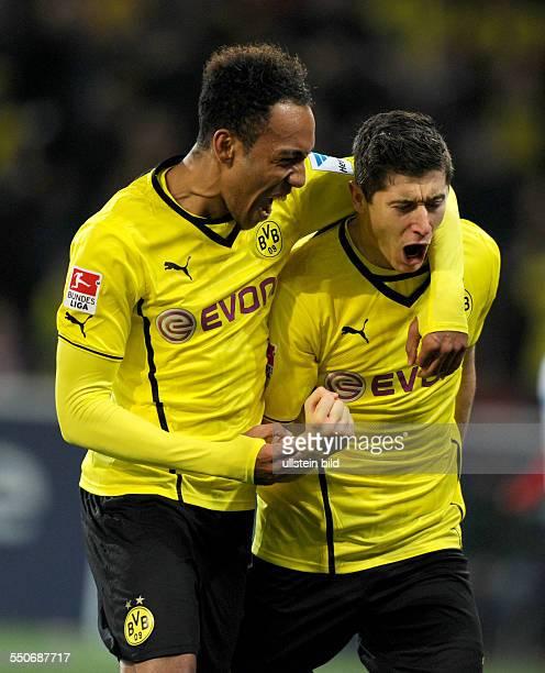 Fussball Saison 20132014 1 Bundesliga 14 Spieltag FSV Mainz 05 Borussia Dortmund 13 Jubel Robert Lewandowski re und PierreEmerick Aubameyang