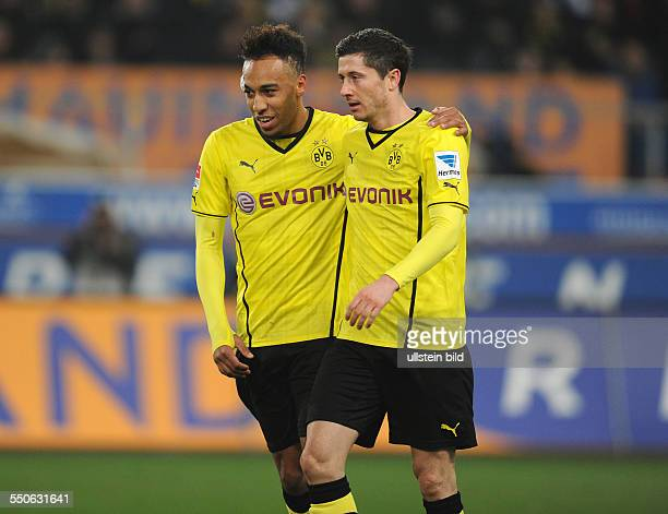 Fussball Saison 20132014 Bundesliga Testspiel MSV Duisburg Borussia Dortmund Jubel PierreEmerick Aubameyang li und Robert Lewandowski