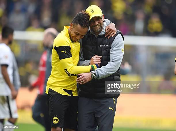 Fussball Saison 2014/15 1 Bundesliga 30 SpieltagBorussia Dortmund Eintracht Frankfurt 20Trainer Juergen Klopp Jürgen Klopp re und PierreEmerick...