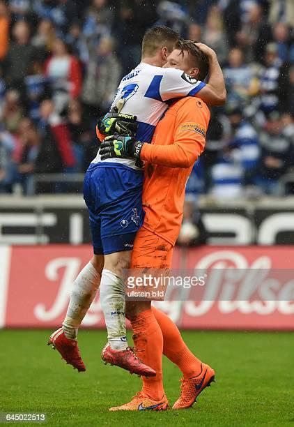 Fussball Saison 2014/15 3 Liga 35 SpieltagMSV Duisburg Preussen MünsterJubel Kevin Wolze li und Torwart Michael Ratajczak