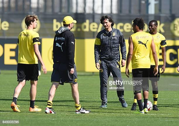 Fussball Saison 2014/2015 1 Bundesliga Training Borussia Dortmund vre Adrian Ramos PierreEmerick Aubameyang Pierre Emerick Aubameyang Co Trainer...