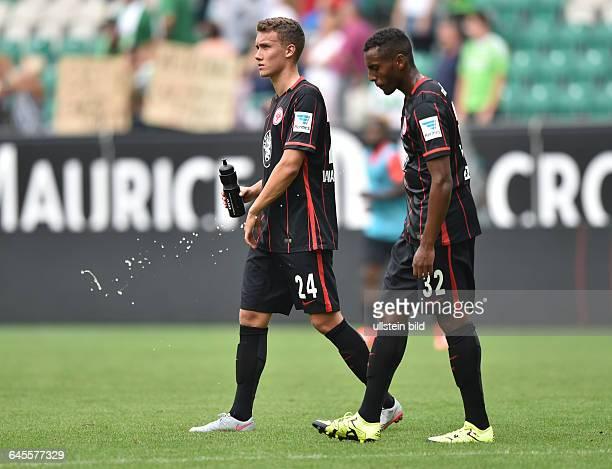 Fussball Saison 2015/2016 1 Bundesliga 1 SpieltagVfL Wolfsburg Eintracht Frankfurt 21Luca Waldschmidt li und Joel Gerezgiher