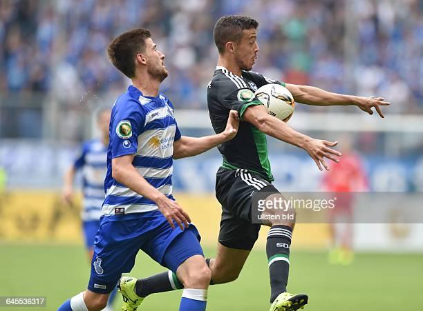 Fussball Saison 2015/2016 DFB Pokal 1 RundeMSV Duisburg FC Schalke 04 05Franco Di Santo re gegen Dustin Bomheuer