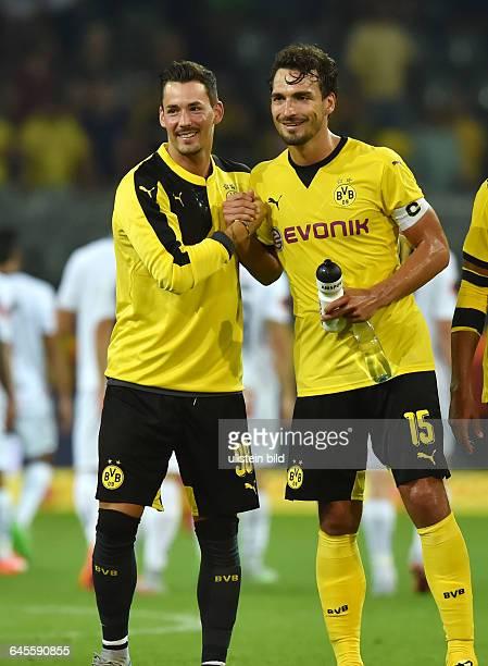 Fussball Saison 2015/2016 Europa League Qualifikation 3 RundeBorussia Dortmund Wolfsberger AC 50Torwart Roman Buerki Roman Bürki li und Mats Hummels