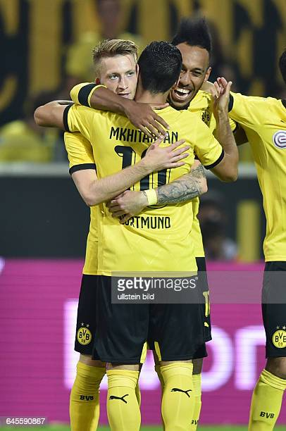 Fussball Saison 2015/2016 Europa League Qualifikation 3 RundeBorussia Dortmund Wolfsberger AC 50Jubel Marco Reus Henrikh Mkhitaryan PierreEmerick...