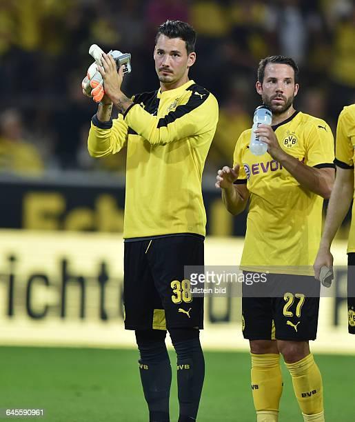 Fussball Saison 2015/2016 Europa League Qualifikation 3 RundeBorussia Dortmund Wolfsberger AC 50Torwart Roman Buerki Roman Bürki li und Gonzalo Castro