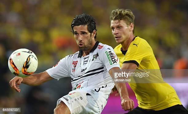 Fussball Saison 2015/2016 Europa League Qualifikation 3 RundeBorussia Dortmund Wolfsberger AC 50Jacobo Ynclan li gegen Lukasz Piszczek