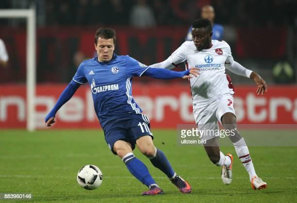 Fussball Saison 2016/2017 DFBPokal 2 Runde Yevhen Konoplyanka li gegen Edgar Salli