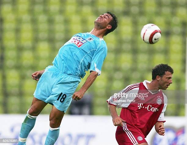 Fussball Testspiel 2004 Muenchen FC Bayern Muenchen 1860 Muenchen Paul AGOSTINO / 1860 Thomas LINKE / Bayern 190704