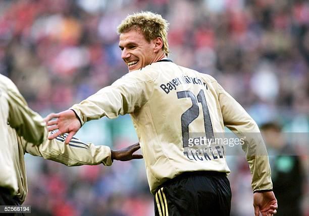 Fussball Testspiel 2005 Koeln 1 FC Koeln FC Bayern Muenchen 01 Alexander ZICKLER / Bayern bejubelt sein Tor zum 01 160105