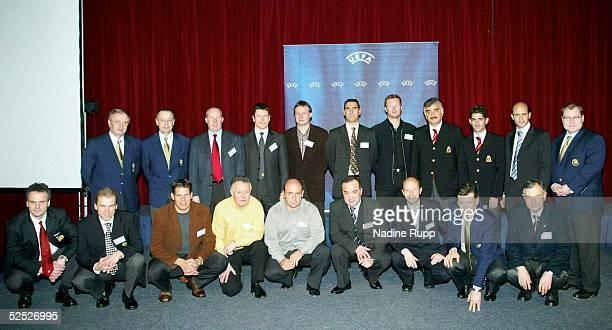 Fussball UEFA Junioren Konferenz 2004 Potsdam 2nd UEFA Elite Club Youth Coaches Forum 270104