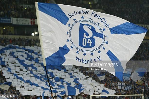 Fussball UEFA Pokal 04/05 Gelsenkirchen FC Schalke 04 FC Basel 11 Schalker Fans 211004