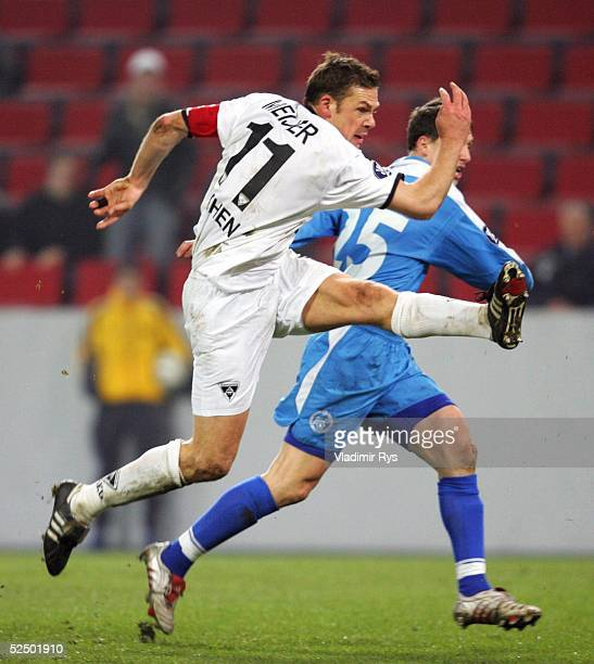 Fussball UEFA Pokal 04/05 Koeln Alemannia Aachen Zenit St Petersburg 22 Erik MEIJER / Aachen erzielt das Tor zum 10 021204