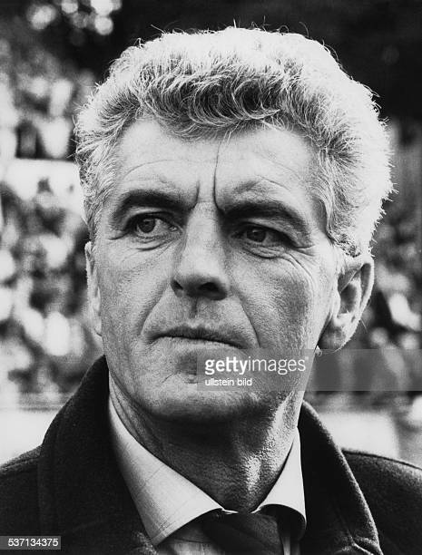 * Fussballtrainer BRD 1992