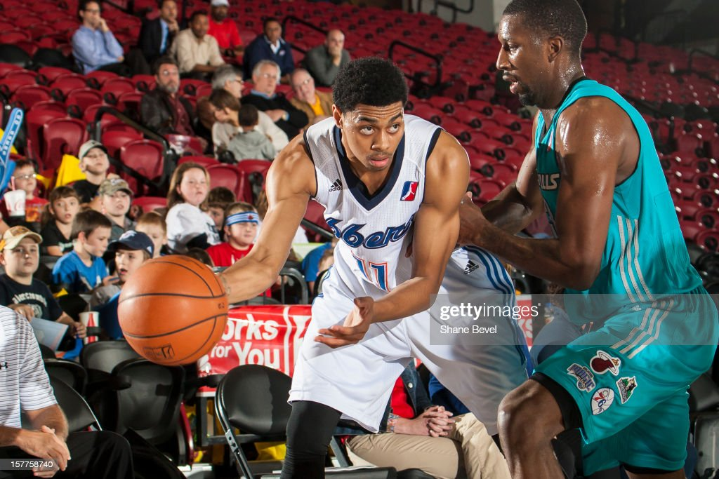 <a gi-track='captionPersonalityLinkClicked' href=/galleries/search?phrase=Gabe+Pruitt&family=editorial&specificpeople=2080035 ng-click='$event.stopPropagation()'>Gabe Pruitt</a> #13 of the Sioux Falls Skyforce puts pressure on <a gi-track='captionPersonalityLinkClicked' href=/galleries/search?phrase=Jeremy+Lamb&family=editorial&specificpeople=7407506 ng-click='$event.stopPropagation()'>Jeremy Lamb</a> #11 of the Tulsa 66ers during the NBA D-League game on December 5, 2012 at the SpiritBank Event Center in Bixby, Oklahoma.
