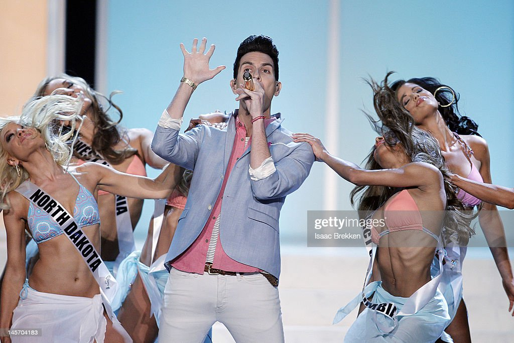 <a gi-track='captionPersonalityLinkClicked' href=/galleries/search?phrase=Gabe+Saporta&family=editorial&specificpeople=4214209 ng-click='$event.stopPropagation()'>Gabe Saporta</a> of Cobra Starship performs during the 2012 Miss USA pageant at the Planet Hollywood Resort & Casino on June 3, 2012 in Las Vegas, Nevada.