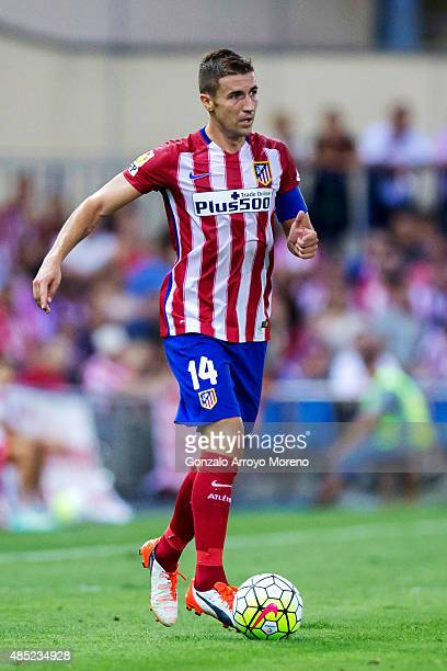 Gabi Fernandez of Atletico de Madrid controls the ball during the La Liga match between Club Atletico de Madrid and UD Las Palmas at Vicente Calderon...
