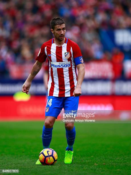 Gabi Fernandez of Atletico de Madrid controls the ball during the La Liga match between Club Atletico de Madrid and Valencia CF at Estadio Vicente...
