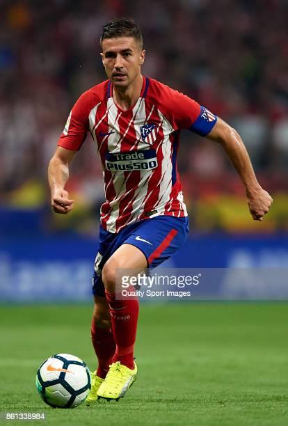 Gabi of Atletico Madrid runs with the ball during the La Liga match between Atletico Madrid and Barcelona at Estadio Wanda Metropolitano on October...