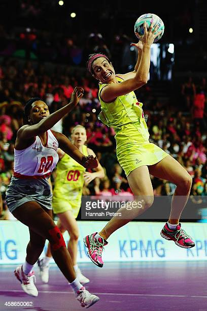 Gabi Simpson of Australia secures posession during the Fast5 Netball Series pool match between England and Australia at Vector Arena on November 9...