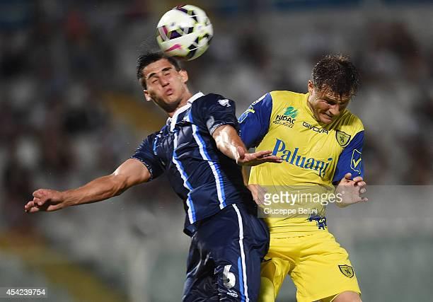 Gabriel Appelt Pires of Pescara and Perparim Hetemaj of Chievo Verona in action during the TIM Cup match between Pescara Calcio and AC Chievo Verona...