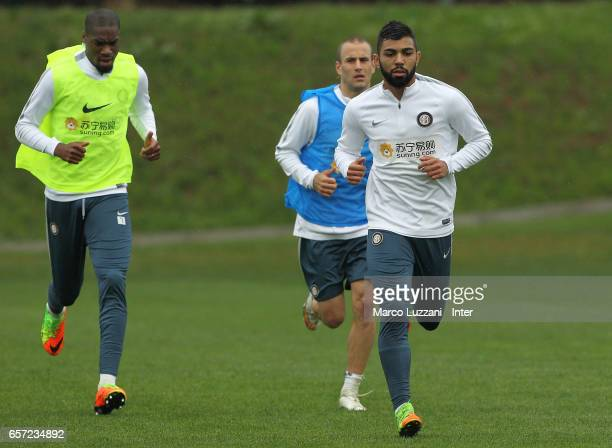 Gabriel Barbosa Gabigol Rodrigo Palacio and Geoffrey Kondogbia of FC Internazionale Milano run during the FC Internazionale training session at the...