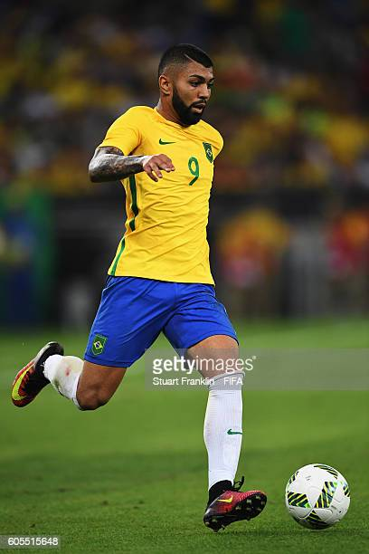 Gabriel Barbosa of Brazil in action during the Olympic Men's Final Football match between Brazil and Germany at Maracana Stadium on August 20 2016 in...