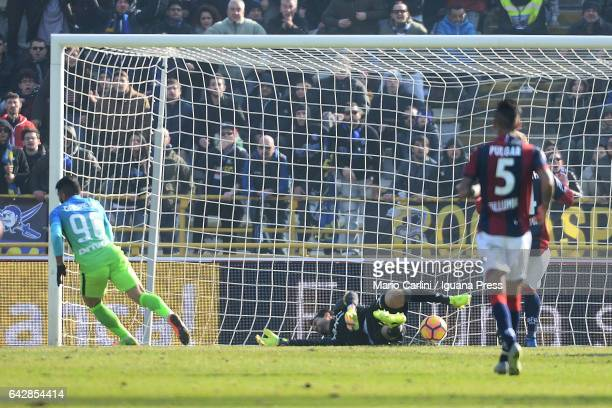 Gabriel Barbosa of FC Internazionale scores a goal during the Serie A match between Bologna FC and FC Internazionale at Stadio Renato Dall'Ara on...
