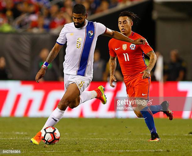 Gabriel Gomez of Panama advances the ball past Eduardo Vargas of Chile in the second half during the 2016 Copa America Centenario Group D match at...