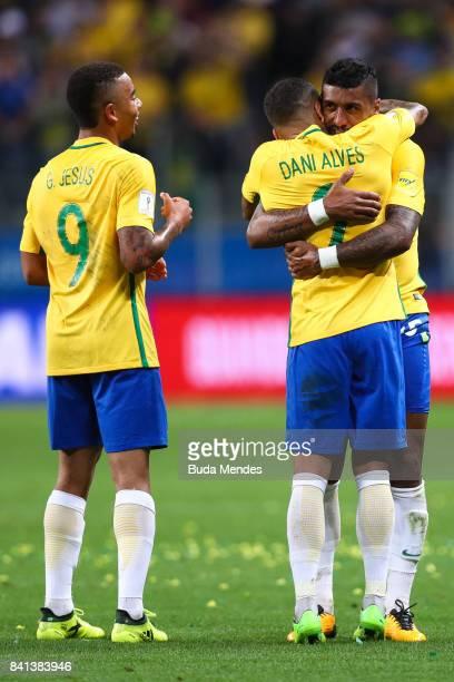 Gabriel Jesus Daniel Alves and Paulinho of Brazil celebrate a scored goal against Ecuador during a match between Brazil and Ecuador as part of 2018...