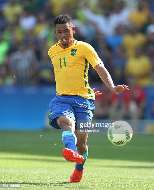 Gabriel Jesus of Brazil scores Brazil's third goal during the Semi Final match between Brazil and Honduras at Maracana Stadium on August 17 2016 in...