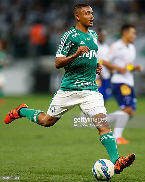 Gabriel Jesus of Palmeiras in action during the match between Palmeiras and Cruzeiro for the Brazilian Series A 2015 at Allianz Parque stadium on...