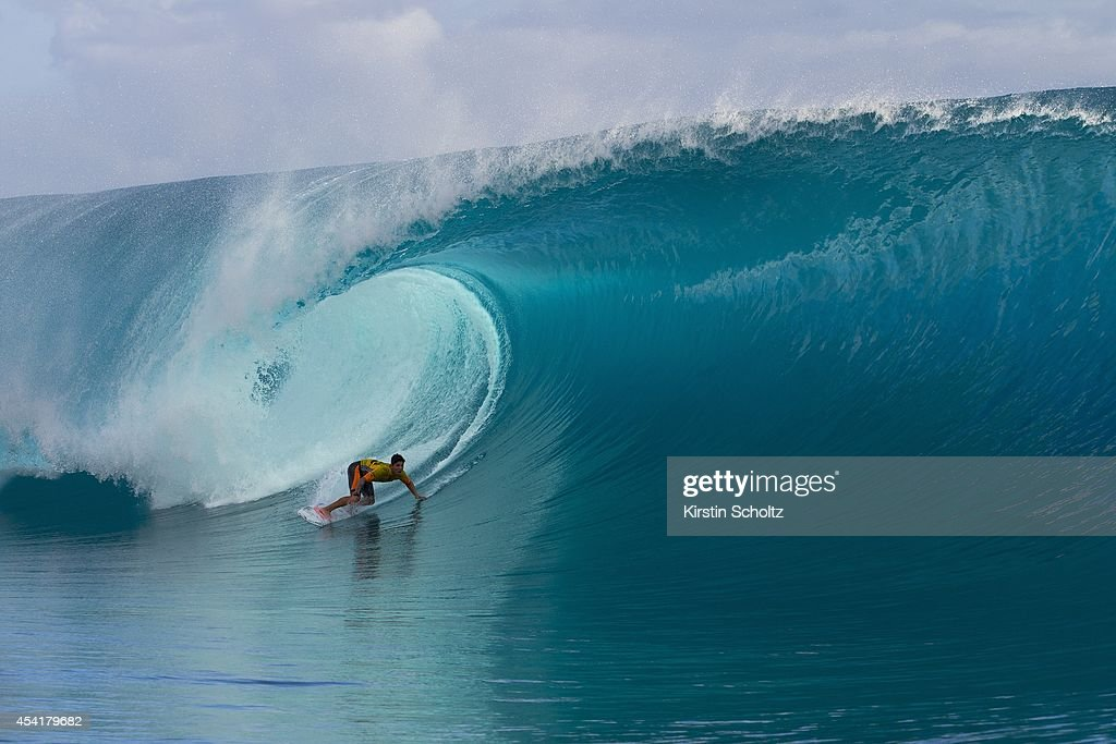 <a gi-track='captionPersonalityLinkClicked' href=/galleries/search?phrase=Gabriel+Medina+-+Surfer&family=editorial&specificpeople=13702660 ng-click='$event.stopPropagation()'>Gabriel Medina</a> of Brasil surfs to victory at the Billabong Pro Tahiti on August 25, 2014 in Teahupo'o, French Polynesia.