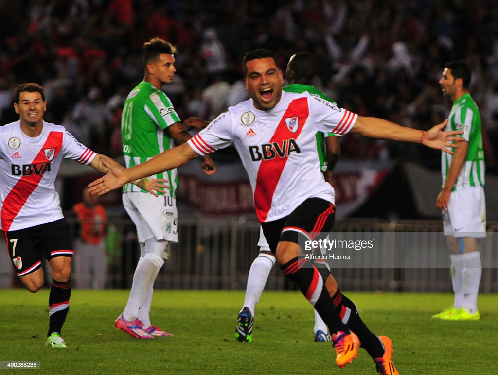 Gabriel Mercado celebrates after scorng the first goal of River Plate during a second leg final match between River Plate and Atletico Nacional as part of Copa Total Sudamericana 2014 at Antonio Vespucio Liberti Stadium on December 10, 2014 in Buenos Aires, Argetina.