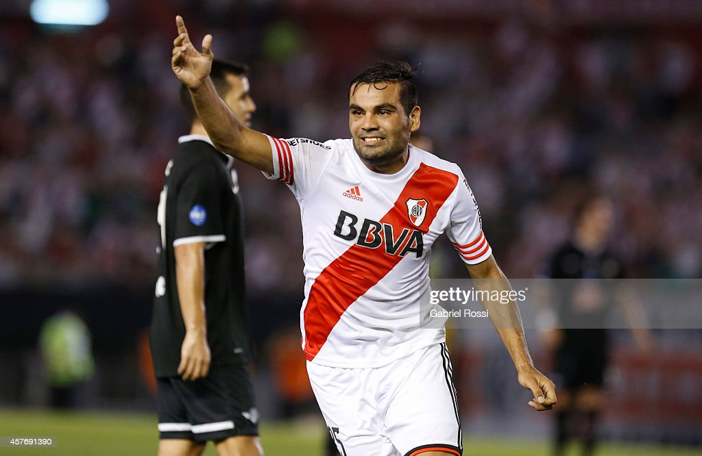 <a gi-track='captionPersonalityLinkClicked' href=/galleries/search?phrase=Gabriel+Mercado&family=editorial&specificpeople=4110696 ng-click='$event.stopPropagation()'>Gabriel Mercado</a> of River Plate celebrates after scoring the first goal of his team during a second leg match between River Plate and Libertad as part of round of 16 of Copa Total Sudamericana 2014 at Monumental Antonio Vespucio Liberti Stadium on October 22, 2014 in Buenos Aires, Argentina.