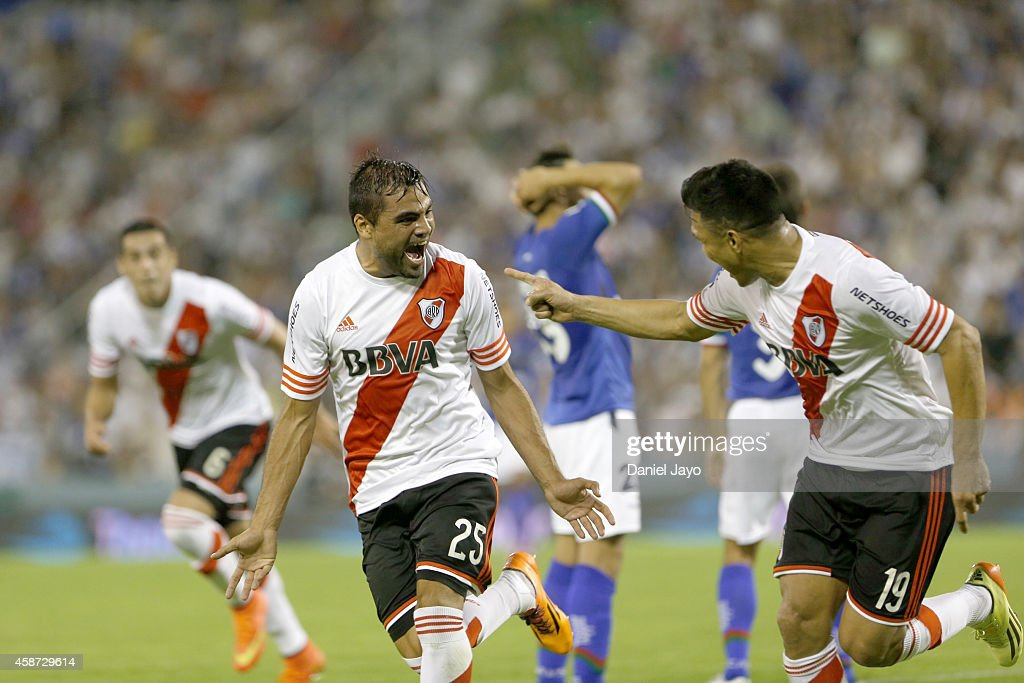 <a gi-track='captionPersonalityLinkClicked' href=/galleries/search?phrase=Gabriel+Mercado&family=editorial&specificpeople=4110696 ng-click='$event.stopPropagation()'>Gabriel Mercado</a> (#25) of River Plate celebrates after scoring the first goal of his team during a match between Velez Sarsfield and River Plate as part of 15th round of Torneo de Transicion 2014 at Jose Amalfitani Stadium on November 9, 2014 in Buenos Aires, Argentina.