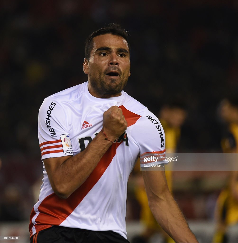 Gabriel Mercado of River Plate celebrates the first goal of his team during a first leg Semi Final match between River Plate and Guarani as part of Copa Bridgestone Libertadores 2015 at Antonio Vespucio Liberti Stadium on July 14, 2015 in Buenos Aires, Argentina.