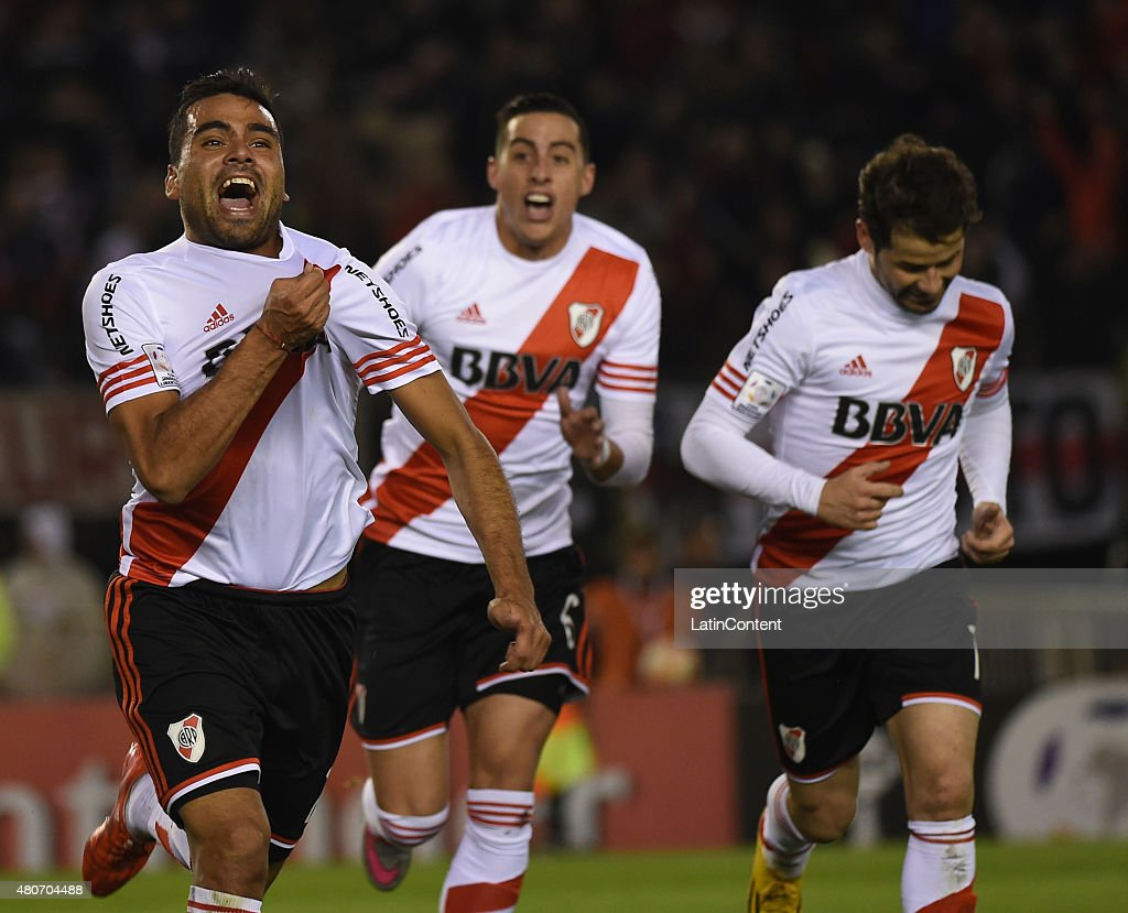 <a gi-track='captionPersonalityLinkClicked' href=/galleries/search?phrase=Gabriel+Mercado&family=editorial&specificpeople=4110696 ng-click='$event.stopPropagation()'>Gabriel Mercado</a> of River Plate celebrates the first goal of his team during a first leg Semi Final match between River Plate and Guarani as part of Copa Bridgestone Libertadores 2015 at Antonio Vespucio Liberti Stadium on July 14, 2015 in Buenos Aires, Argentina.