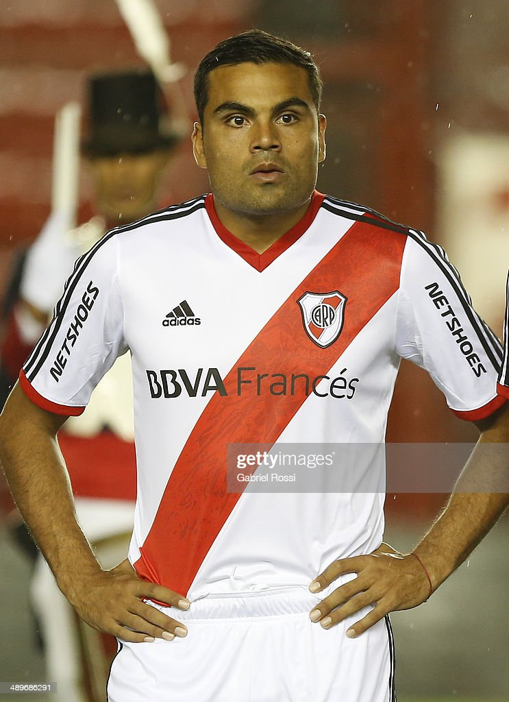 <a gi-track='captionPersonalityLinkClicked' href=/galleries/search?phrase=Gabriel+Mercado&family=editorial&specificpeople=4110696 ng-click='$event.stopPropagation()'>Gabriel Mercado</a> of River Plate looks on before the match between Argentinos Juniors and River Plate as part of 18th round of Torneo Final 2014 at Diego Armando Maradona Stadium on May 11, 2014 in Buenos Aires, Argentina.
