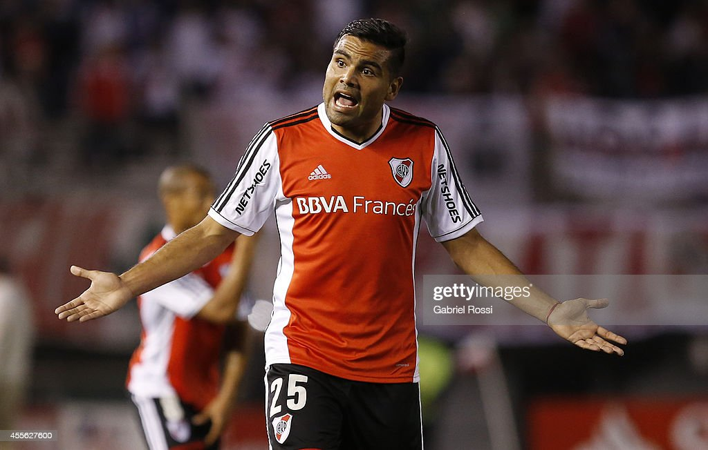 Gabriel Mercado of River Plate reacts during a second leg match between River Plate and Godoy Cruz as part of second stage of Copa Total Sudamericana 2014 at Monumental Antonio Vespucio Liberti Stadium on September 17, 2014 in Buenos Aires, Argentina.