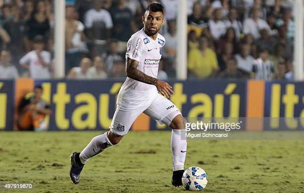 Gabriel of Santos runs with the ball during a match between Santos v Flamengo of Brasileirao Series A 2015 at Vila Belmiro Stadium on November 19...
