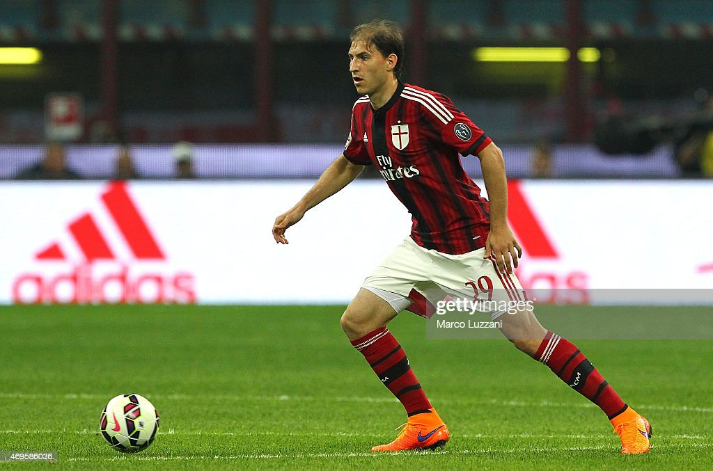 <a gi-track='captionPersonalityLinkClicked' href=/galleries/search?phrase=Gabriel+Paletta&family=editorial&specificpeople=747556 ng-click='$event.stopPropagation()'>Gabriel Paletta</a> of AC Milan in action during the Serie A match between AC Milan and UC Sampdoria at Stadio Giuseppe Meazza on April 12, 2015 in Milan, Italy.