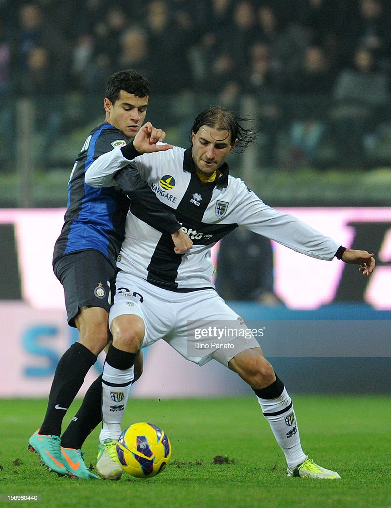 Gabriel Paletta (R) of Parma FC competes with Philippe Coutinho of Internazionale Milano during the Serie A match between Parma FC and FC Internazionale Milano at Stadio Ennio Tardini on November 26, 2012 in Parma, Italy.