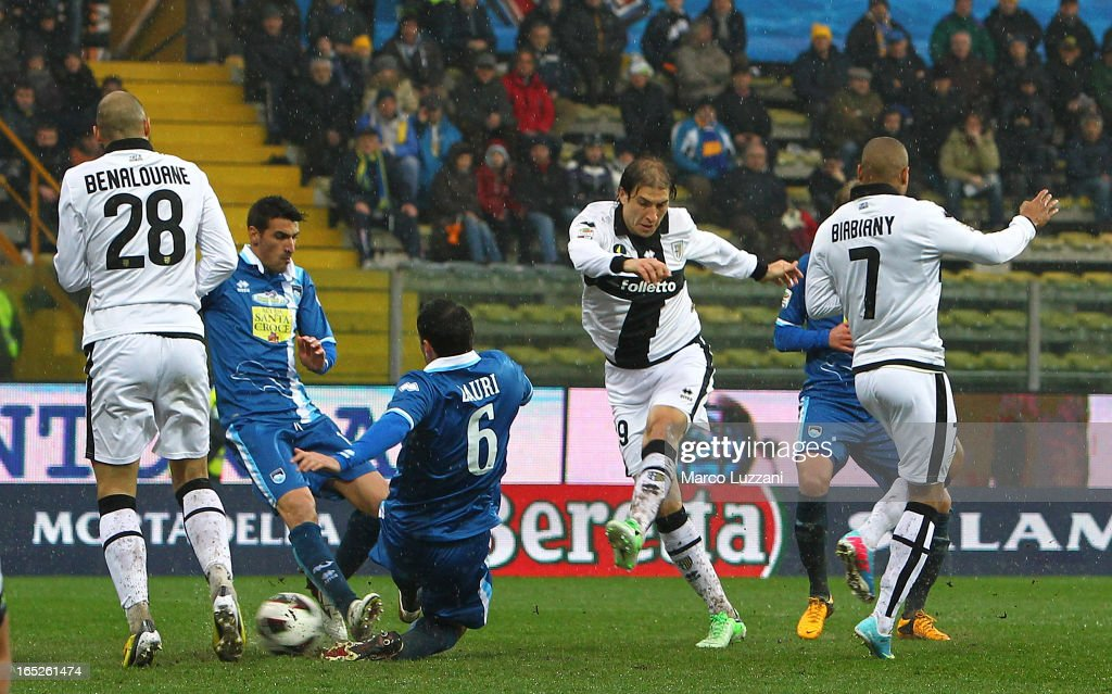 <a gi-track='captionPersonalityLinkClicked' href=/galleries/search?phrase=Gabriel+Paletta&family=editorial&specificpeople=747556 ng-click='$event.stopPropagation()'>Gabriel Paletta</a> (2nd R) of Parma FC scores the goal during the Serie A match between Parma FC and Pescara at Stadio Ennio Tardini on March 30, 2013 in Parma, Italy.